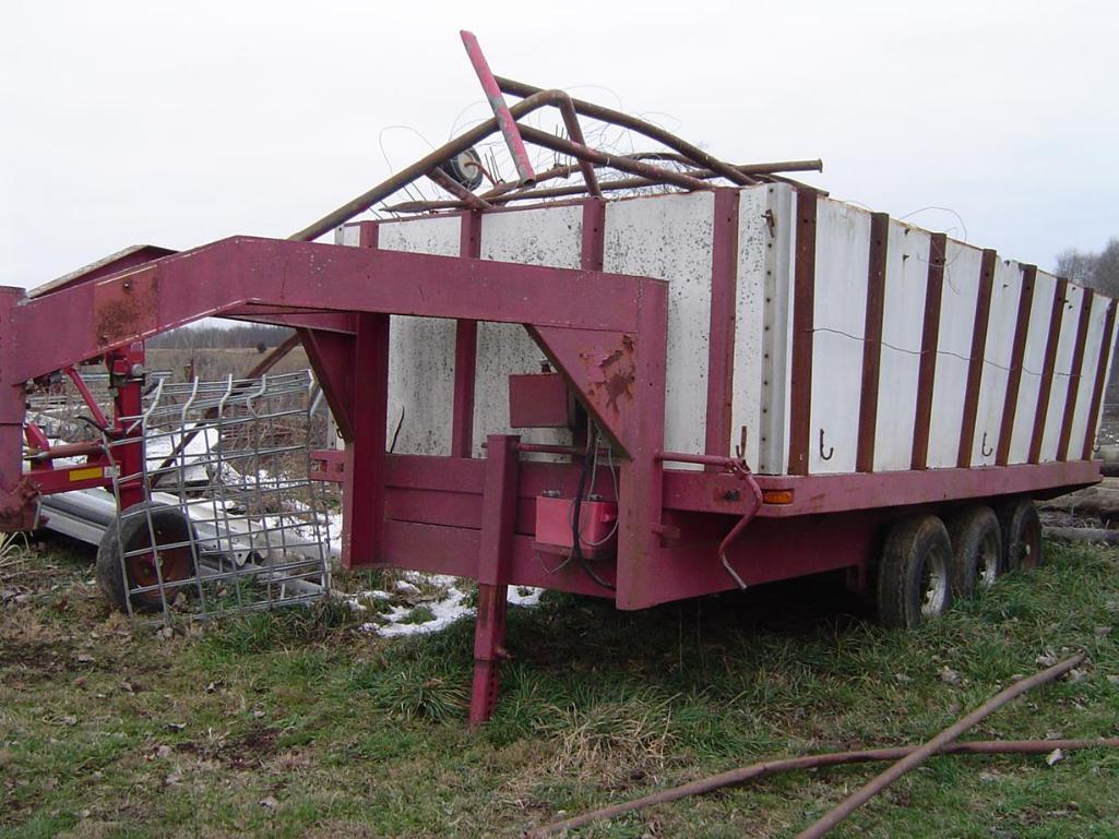 gooseneck-15-utility-trailer-with-tri-axle-full-of-scrap-metal-and-grain-auger-parts