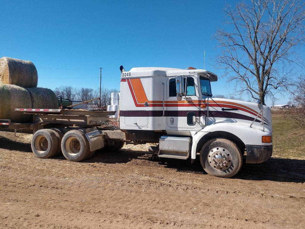 international-9200-654-pro-sleeper-semi-tractor-with-eaton-fuller-transmission-and-961771-miles