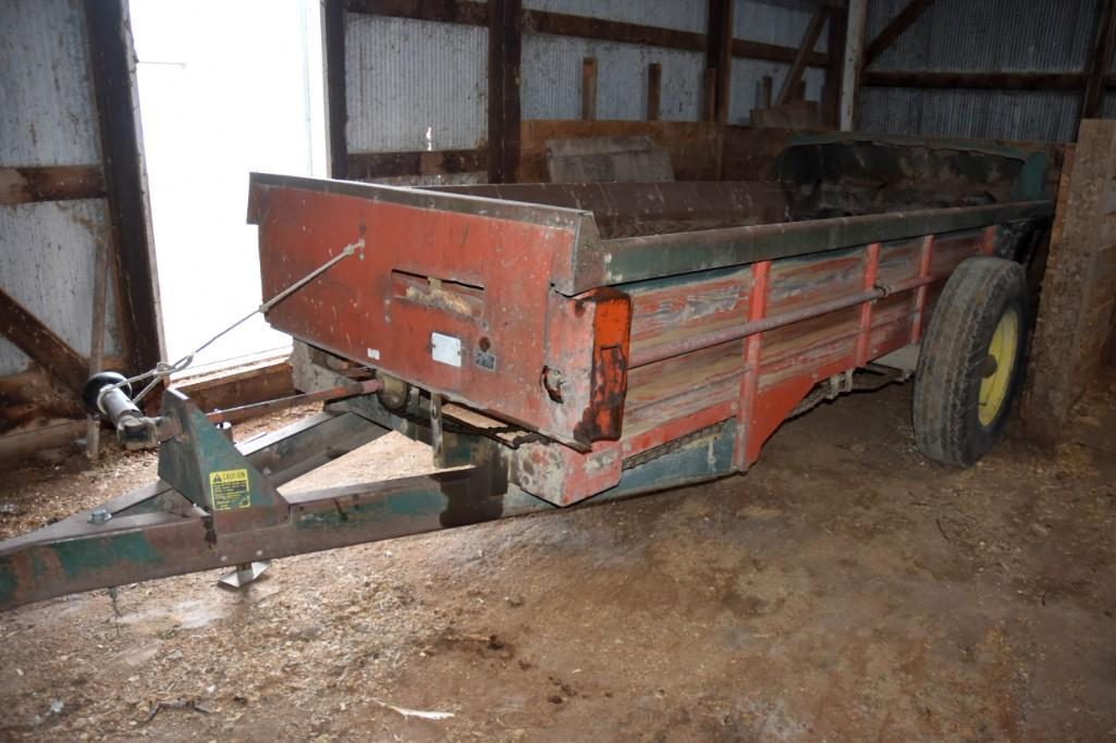 new-idea-single-axle-manure-spreader-540-pto-single-beater-wood-floors-and-sides