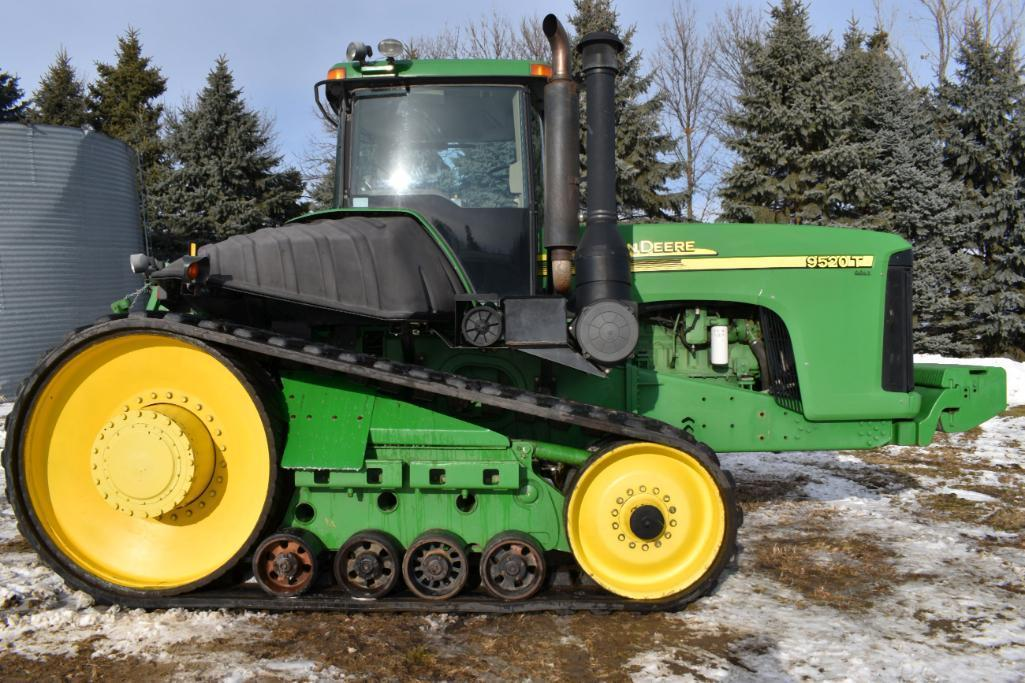 john-deere-9520t-like-new-30-tracks-7910-hours-3pt-qh-power-shift-4-hydraulic-26-suitcase