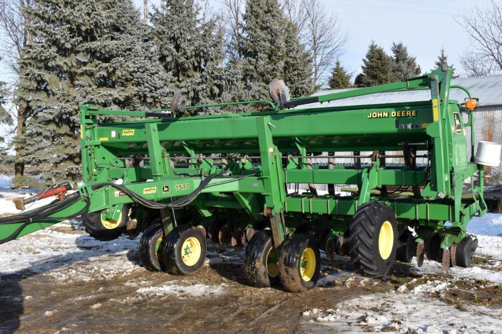 john-deere-1535-drill-3pt-20-x-15-spacings-markers-fluted-coulters-on-john-deere-1570-drill-cart-caddy-jd-350-monitor