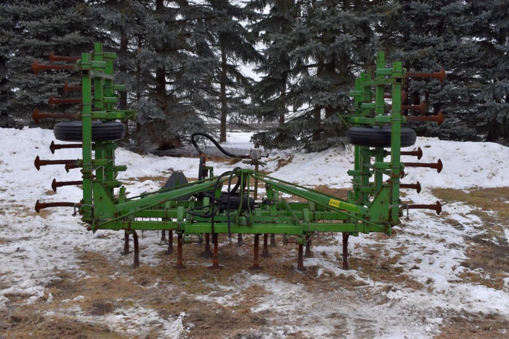john-deere-1100-field-cultivator-21-5-3pt-3-bar-harrow-hydraulic-wing-fold