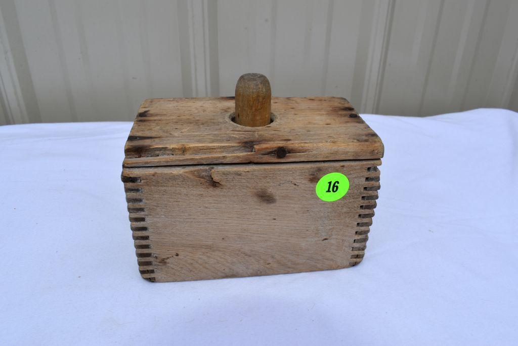 dovetail-butter-mold