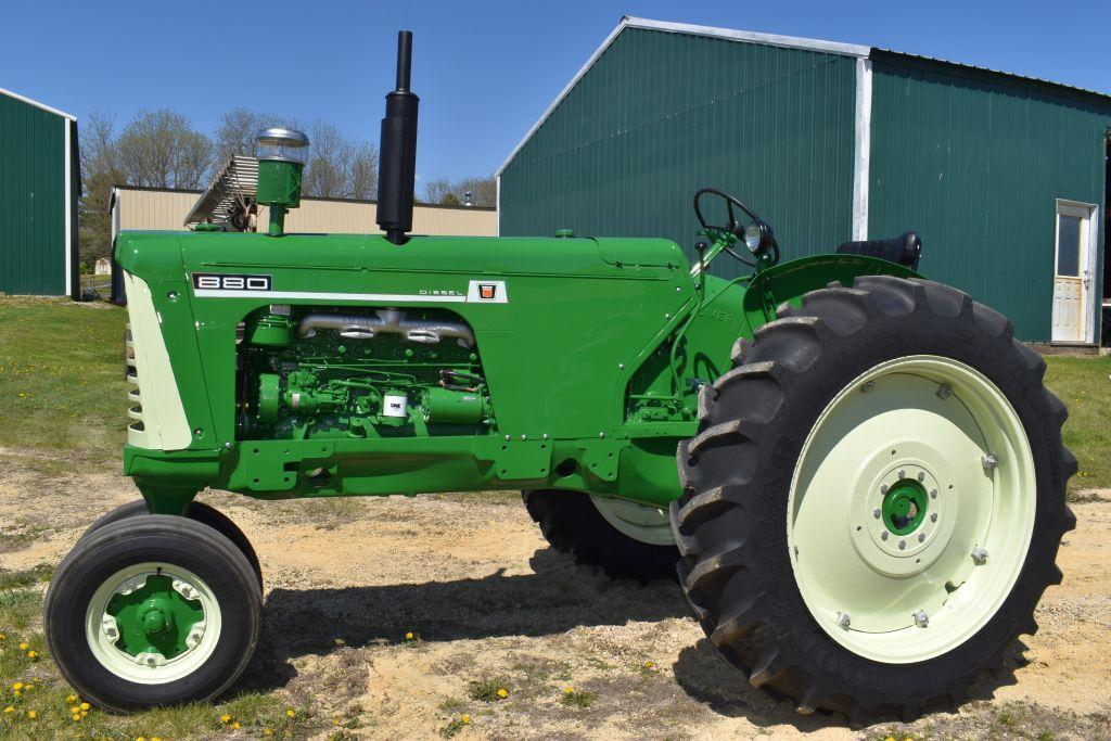 oliver-880-diesel-tractor-narrow-front-open-station-fenders-like-new-15-538-tires-like-new