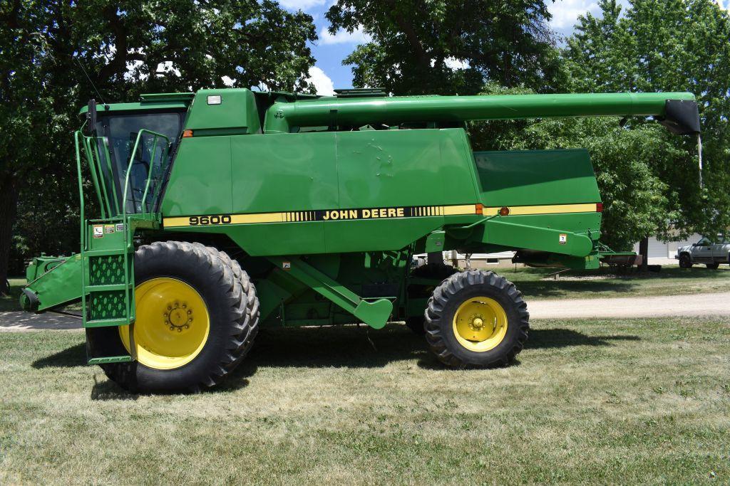 1995-john-deere-9600-combine-20-838-duals-70-2629-sep-3901-eng-hours-long-auger-bin-topper
