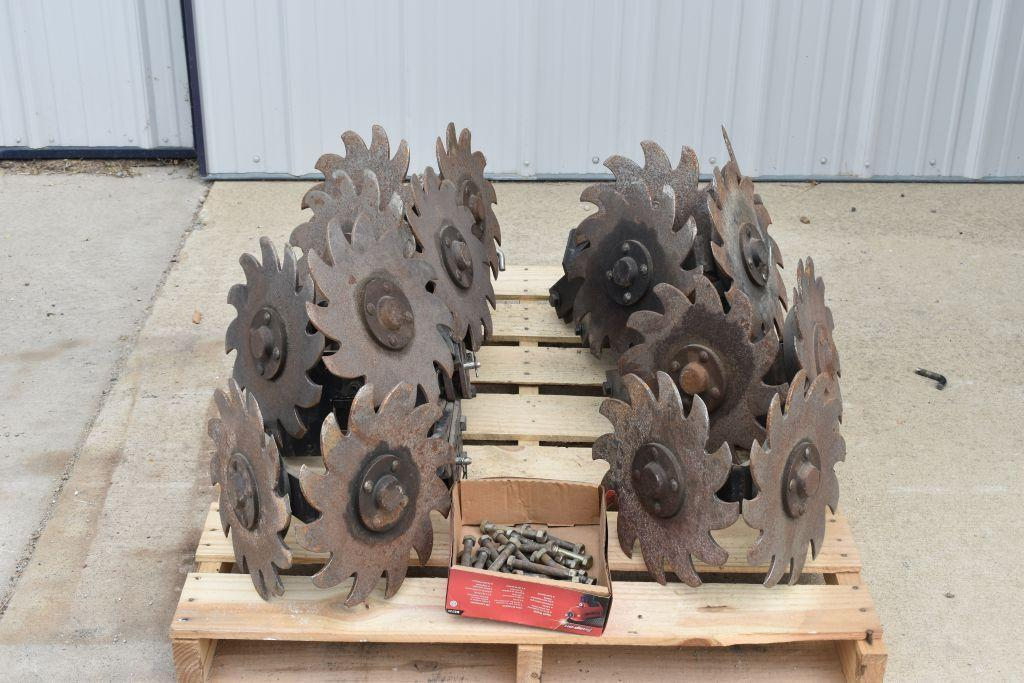 16-sunco-trash-whippers-fits-ih-planter-selling-16-x