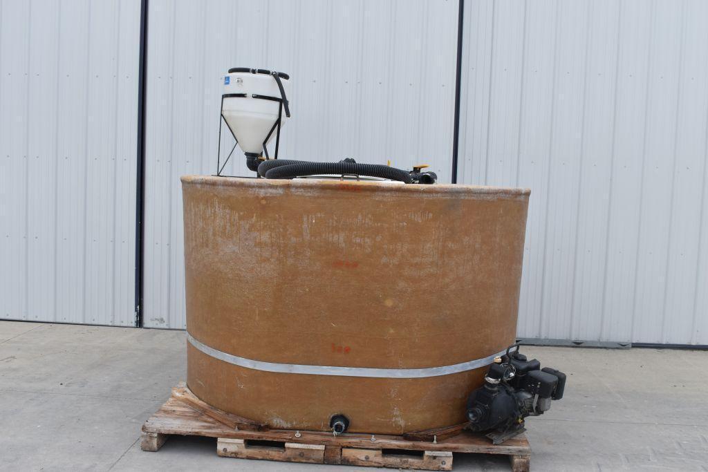 1400-gallon-fiberglass-tank-chemical-inductor-hose-transfer-pump
