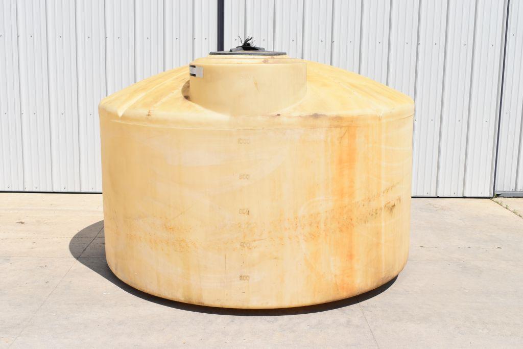 1300-gallon-poly-tank