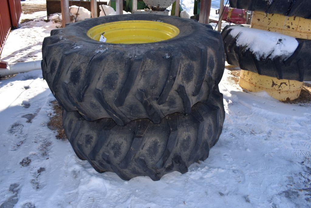 pair-of-18-426-tires-on-8-bolt-rims-with-6-centers