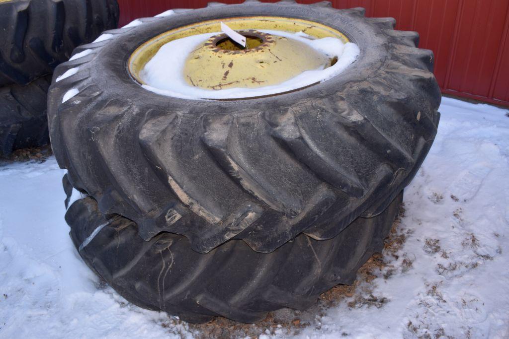 pair-of-18-434-tires-on-john-deere-9-bolt-rims-duals