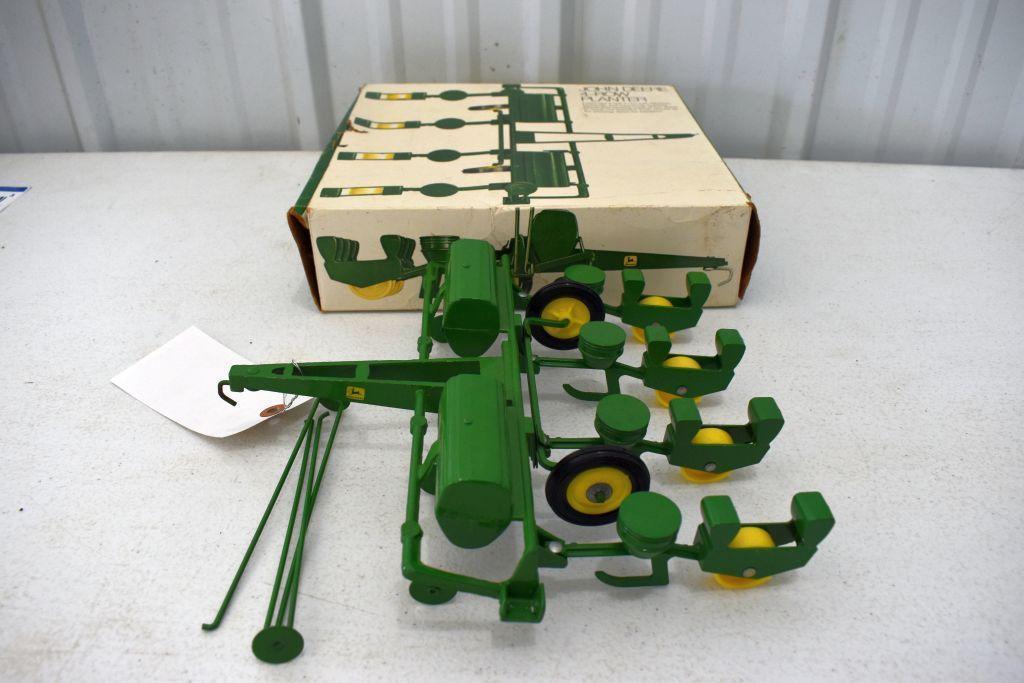 original-ice-cream-box-ertl-john-deere-4-row-planter-box-has-some-tear-damage