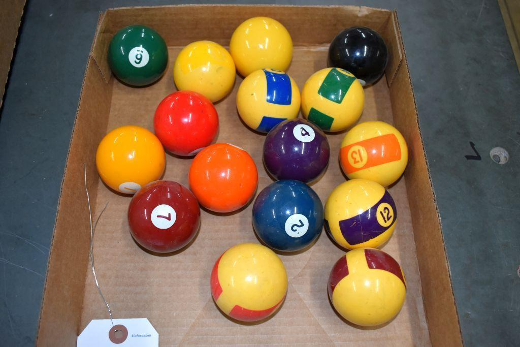 vintage-set-of-pool-balls