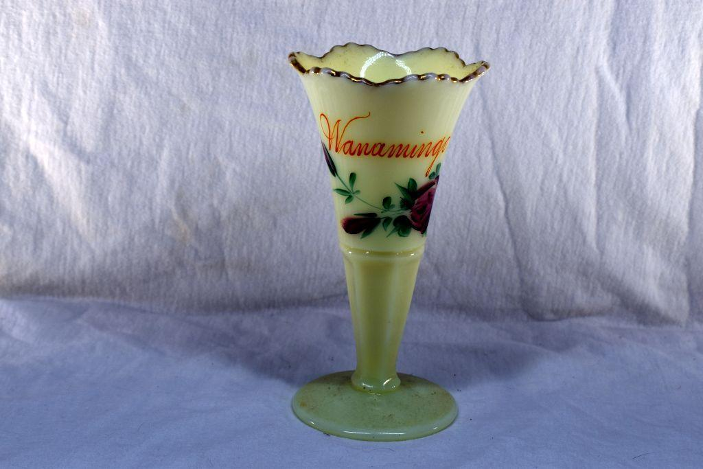 custard-glass-vase-with-wanamingo-advertising