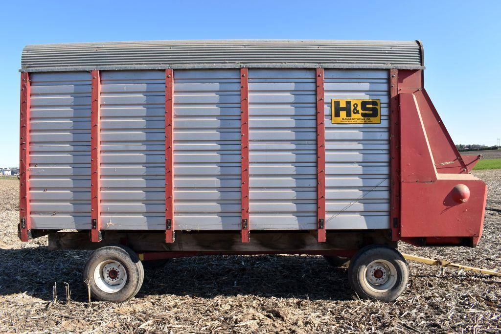 h-s-74-steel-forage-box-16-with-new-holland-8-ton-running-gear