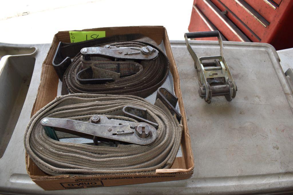 assortment-of-ratchet-tie-down-straps