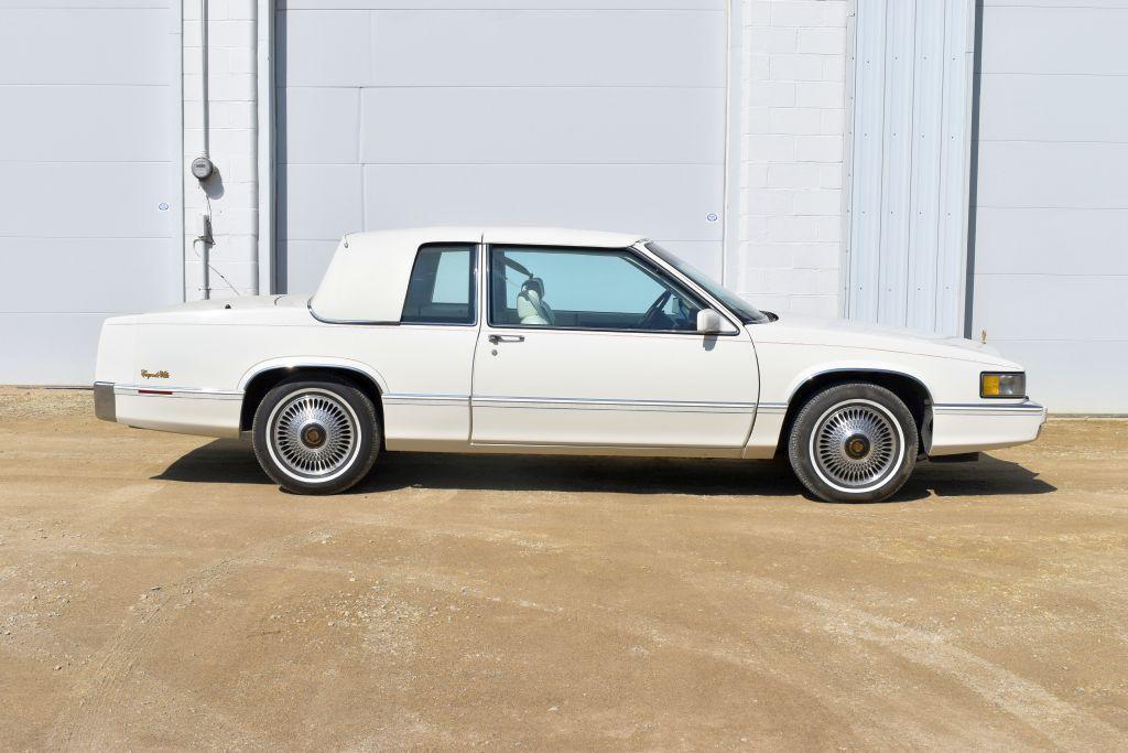 1989-cadillac-coupe-deville-white-on-white-v8-auto-full-power-124304-actual-miles