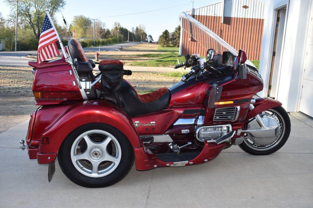 1994-honda-goldwing-motorcycle-trike-lehman-conversion-custom-lighting