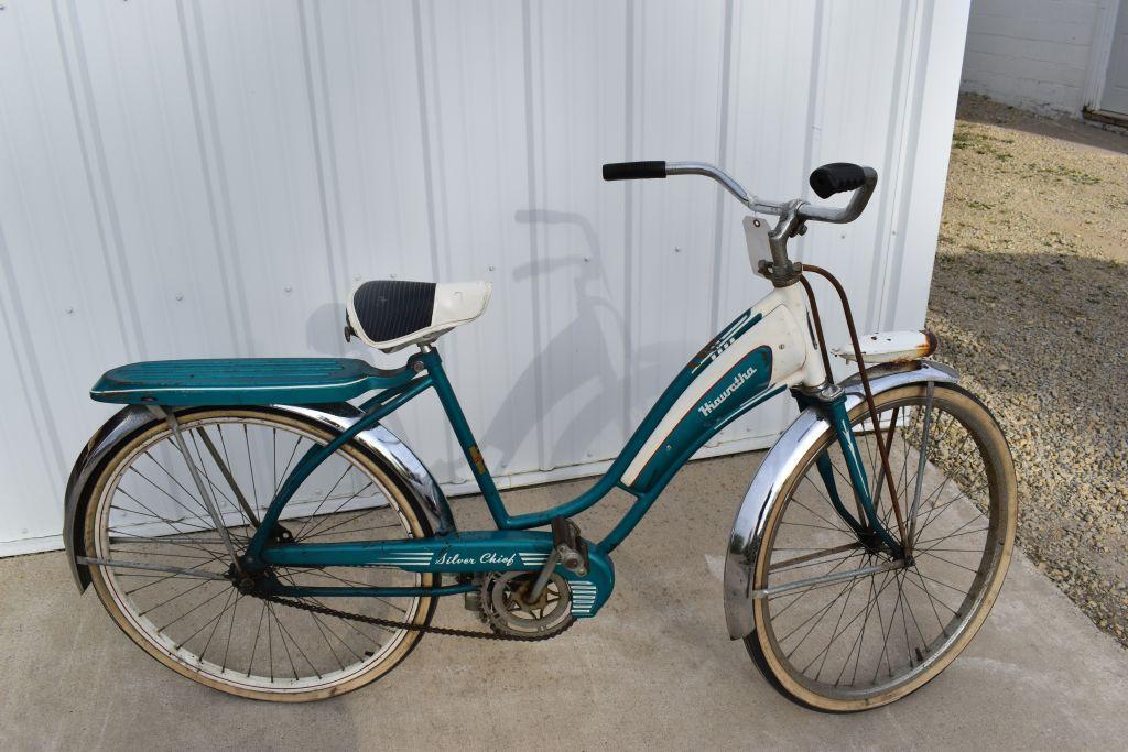 hiawatha-silver-chief-bike-fenders-26-head-light-gas-tank