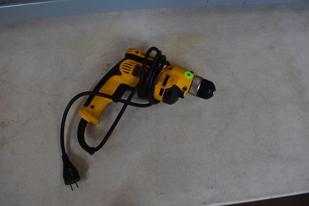 dewalt-dwd110-3-8-corded-drill-keyless-chuck