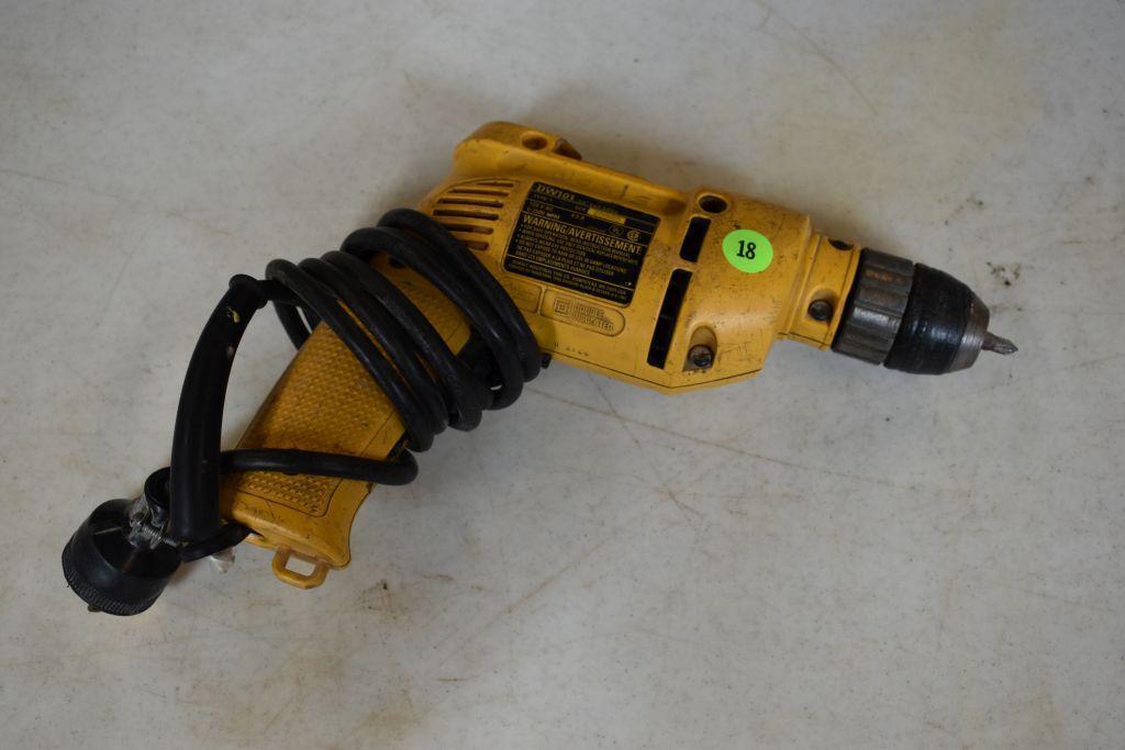 dewalt-dw101-3-8-corded-drill-keyless-chuck