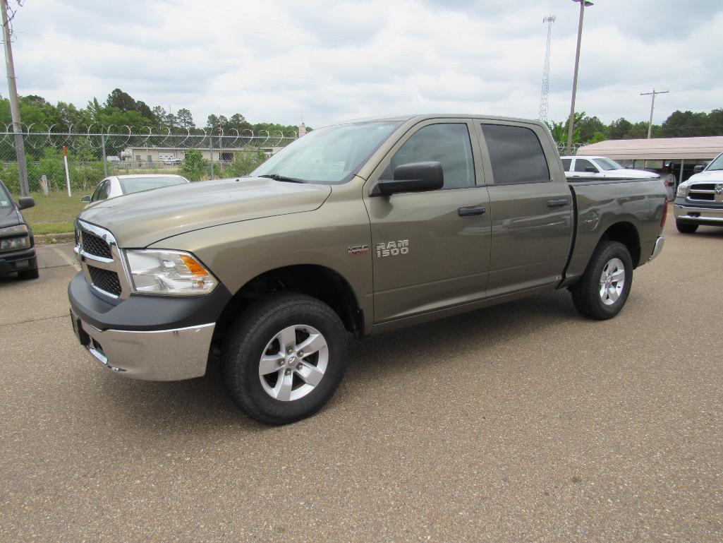 2014-ram-crew-cab-pickup-1500