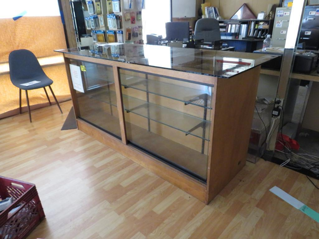 display-case-work-counter