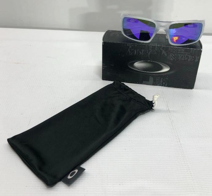 oakley-crankshaft-matte-clear-frame-w-violet-iridium-polarized-lenses