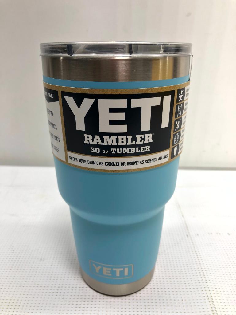 yeti-rambler-sky-blue-30oz-tumbler