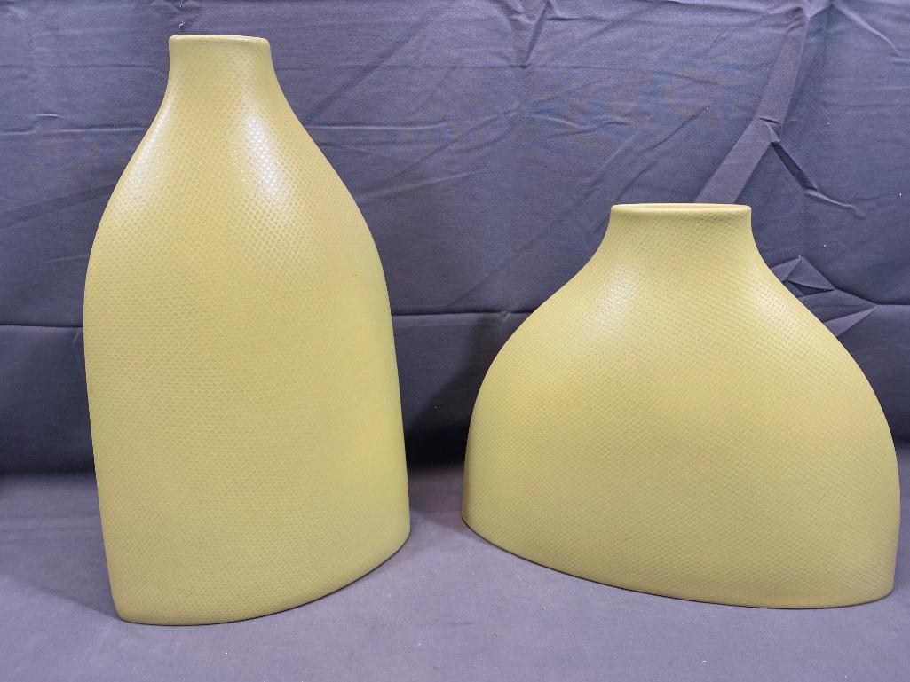 matching-portugal-decorative-vases-1341-netting-wide-vase-med-vase-green-14in-10in