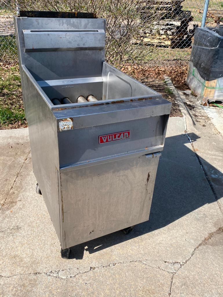vulcan-model-gr85a-gas-floor-fryer-very-clean