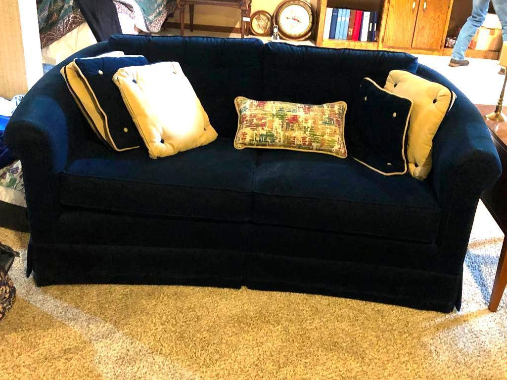 sofa-2-cushion-clean