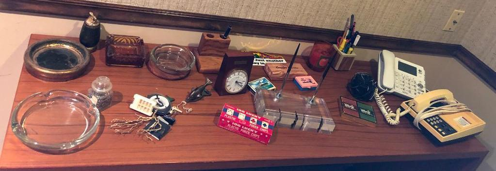 small-collectibles-lucite-desk-set-w-2-pens-clocks-ashtrays-phones-table-lighter-misc
