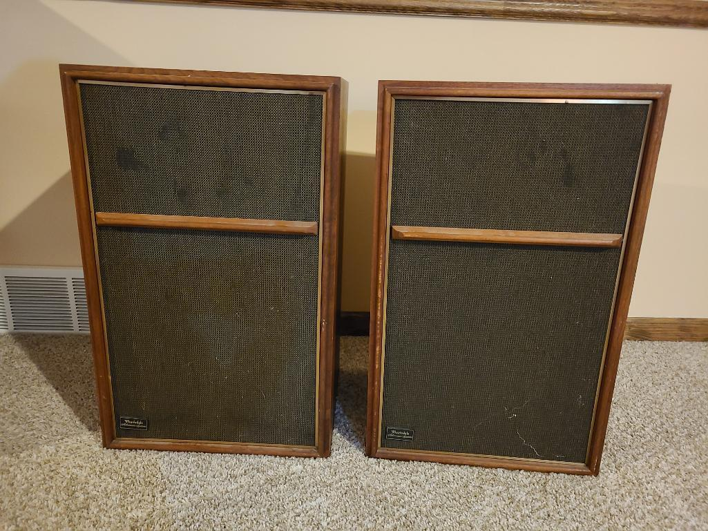 vintage-pair-of-wharfedale-stereo-speakers-w60e