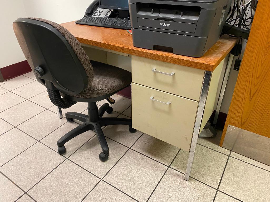 2-desks-1-chair