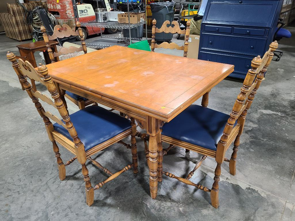 antique-kitchen-or-dining-room-wooden-table-w-hidden-leaves-4-matching-chairs