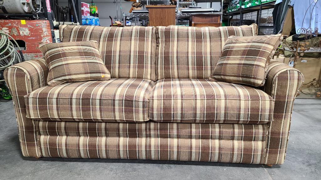 lazboy-sofa-like-new