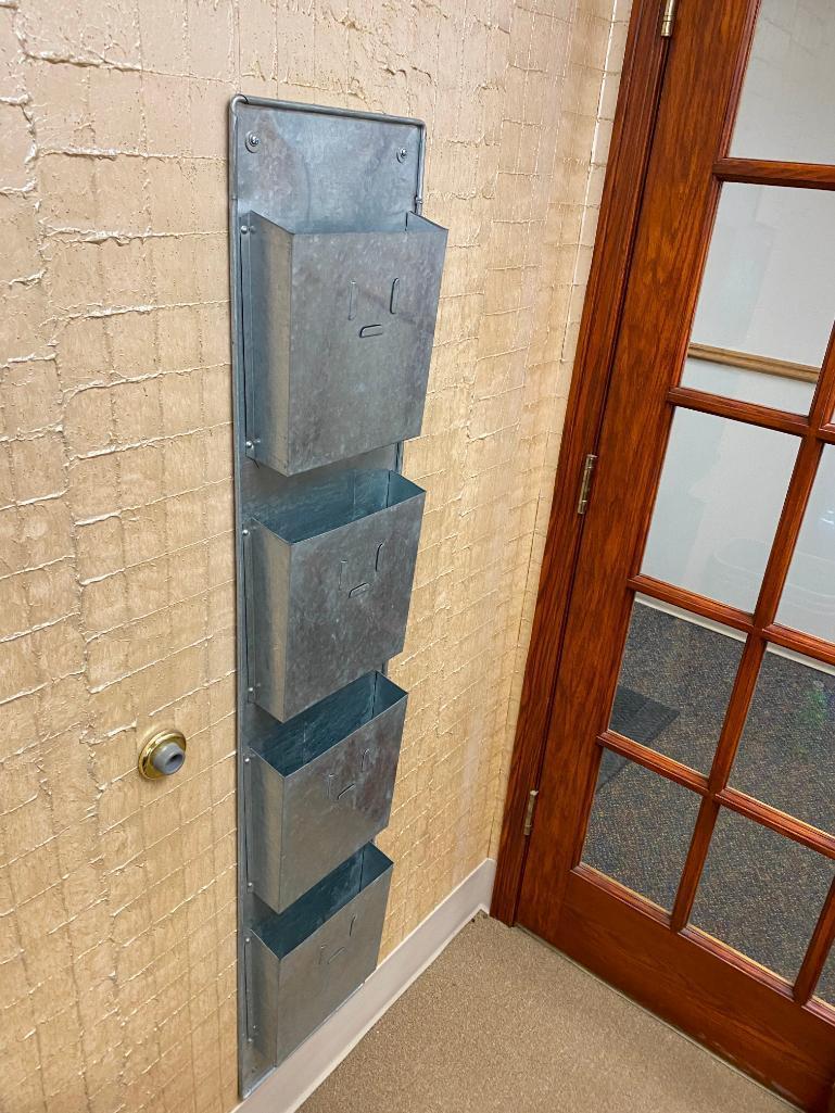 galvanized-wall-mount-4-pocket-magazine-rack