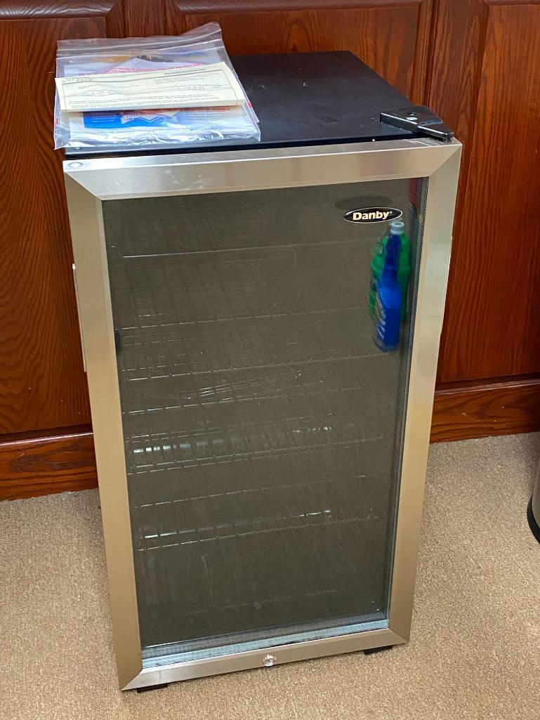 danby-dbc120bls-glass-door-beverage-center-3-3c-refrigerator