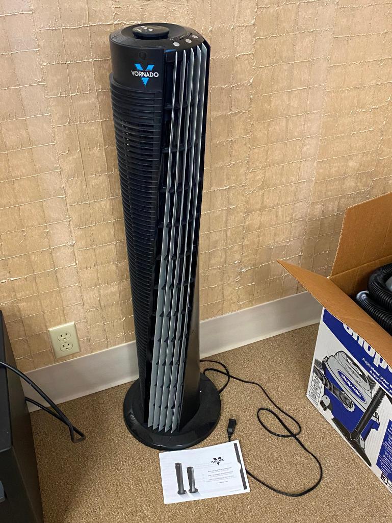 vornado-model-184-tower-circulating-fan-w-remote