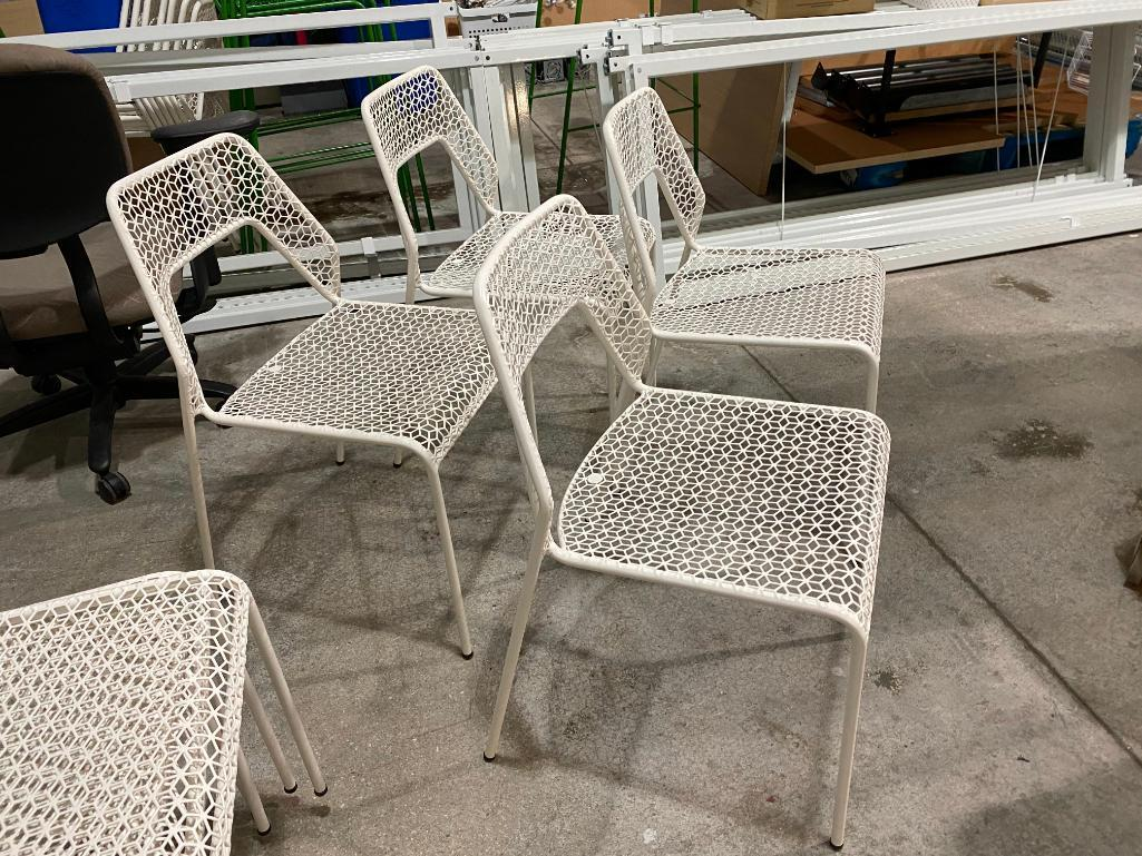 lot-of-4-blue-dot-white-hot-mesh-metal-chairs-color-white-hot