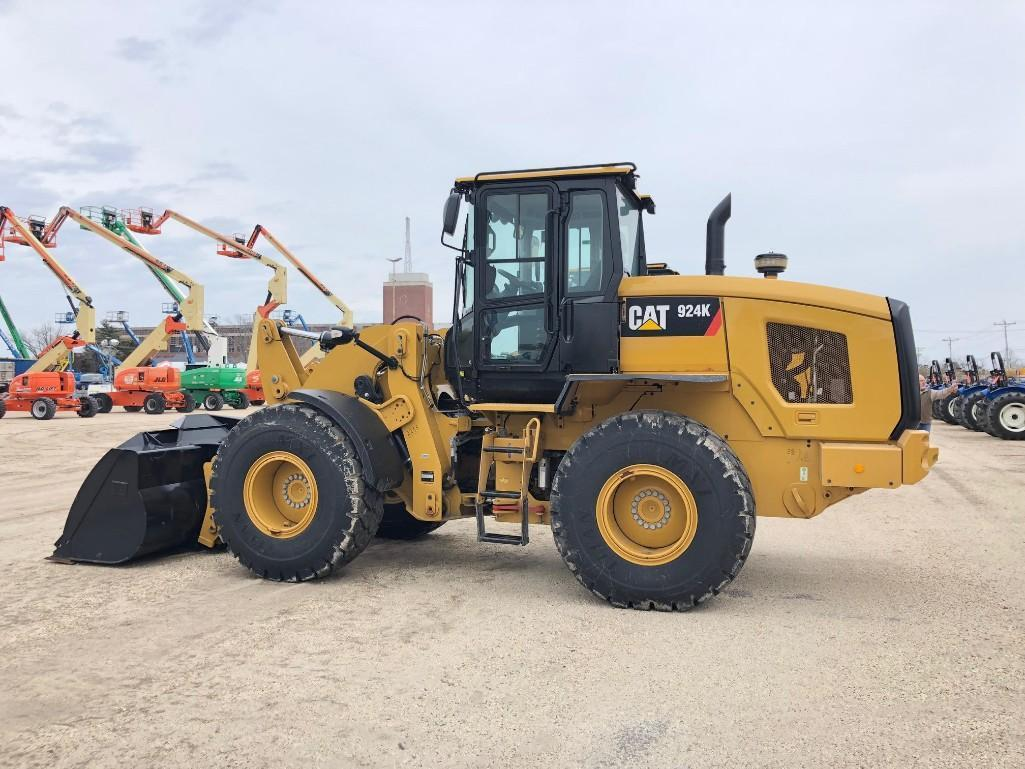 2015 CAT 924K RUBBER TIRED LOADER SN:PWR03998 Powered