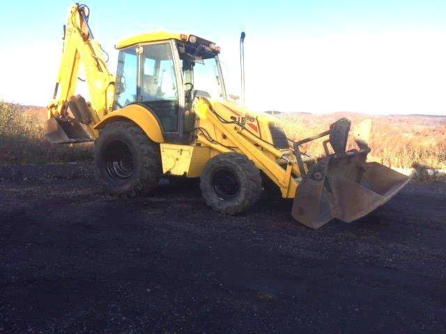 NEW HOLLAND LB90 TRACTOR LOADER BACKHOE SN:31030901