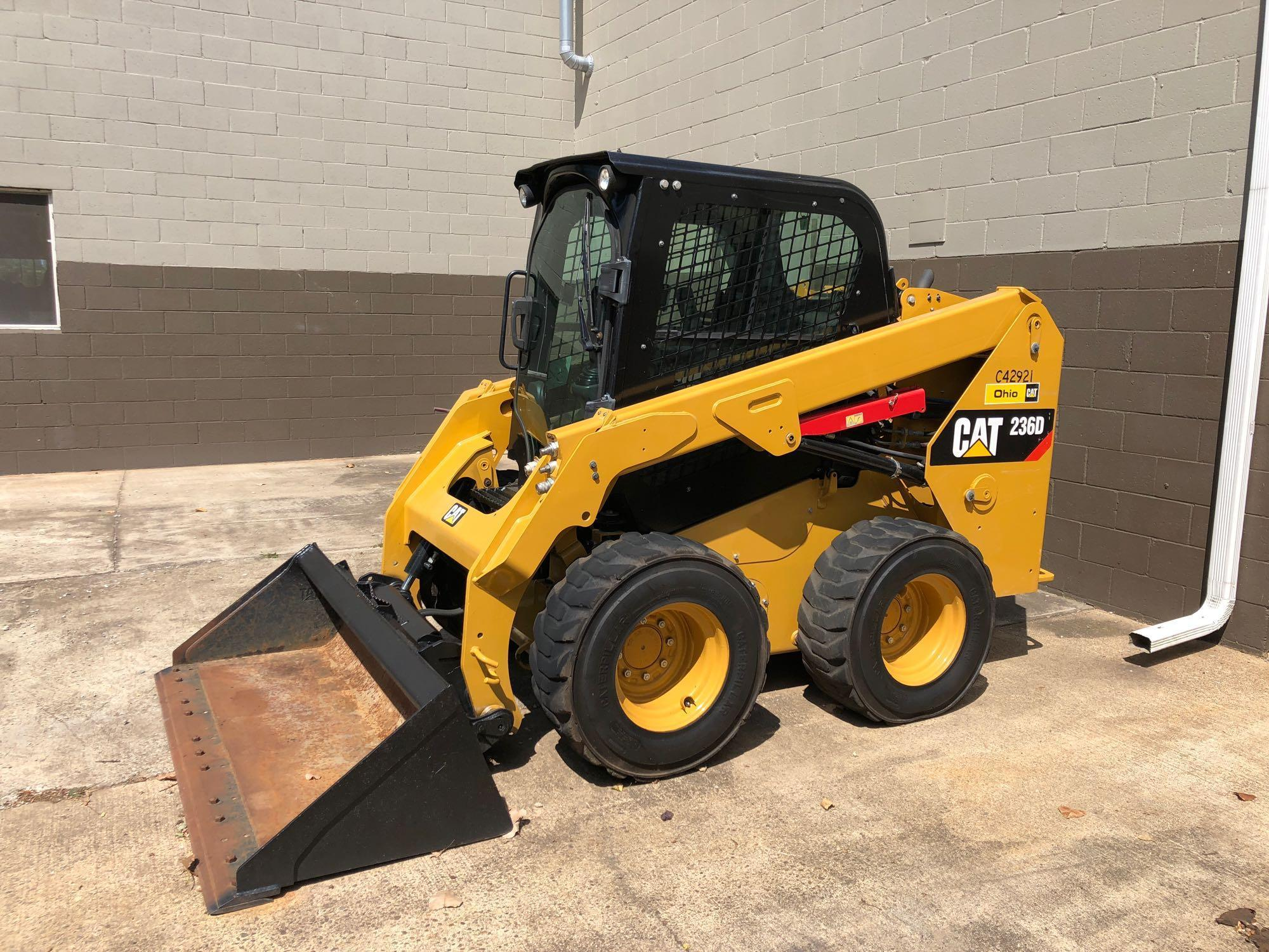 2014 CAT 236D SKID STEER SN:BGZ000495 Powered By Cat
