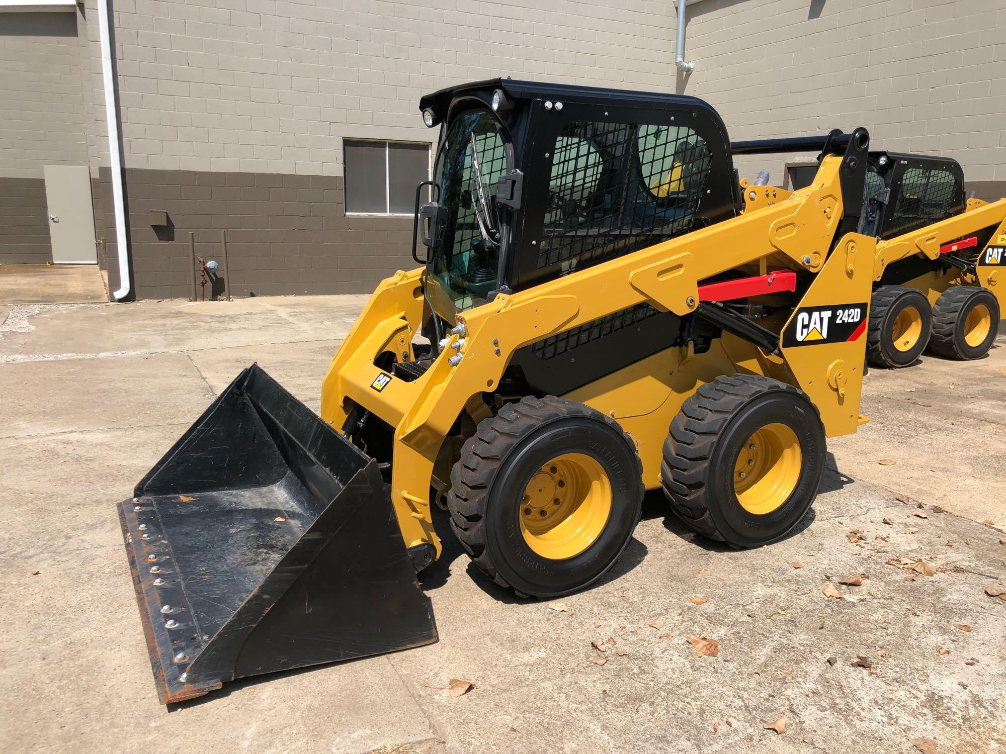 2016 CAT 242D SKID STEER SN:DZT03036 Powered By Cat