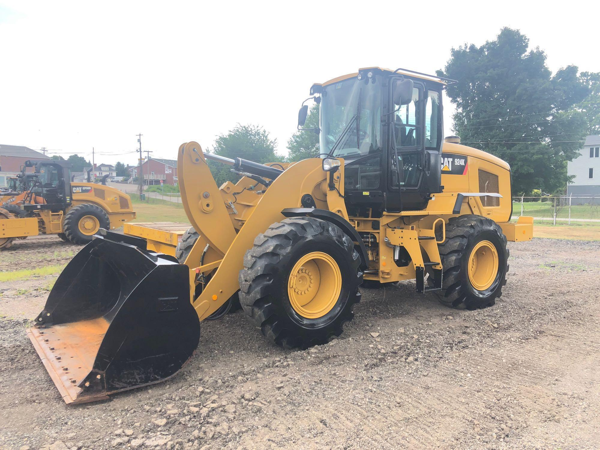 2015 CAT 924K RUBBER TIRED LOADER SN:PWR03915 Powered