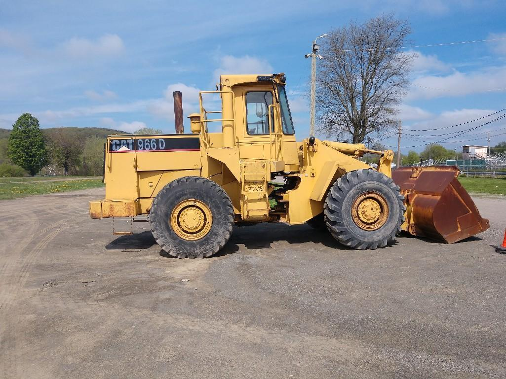 CAT 966D RUBBER TIRED LOADER SN:94X02096 Powered By