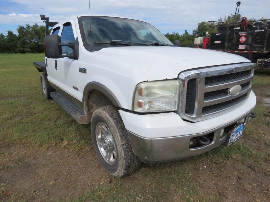 2006 FORD F250 LARIAT FLATBED TRUCK VN:C30276 Powered