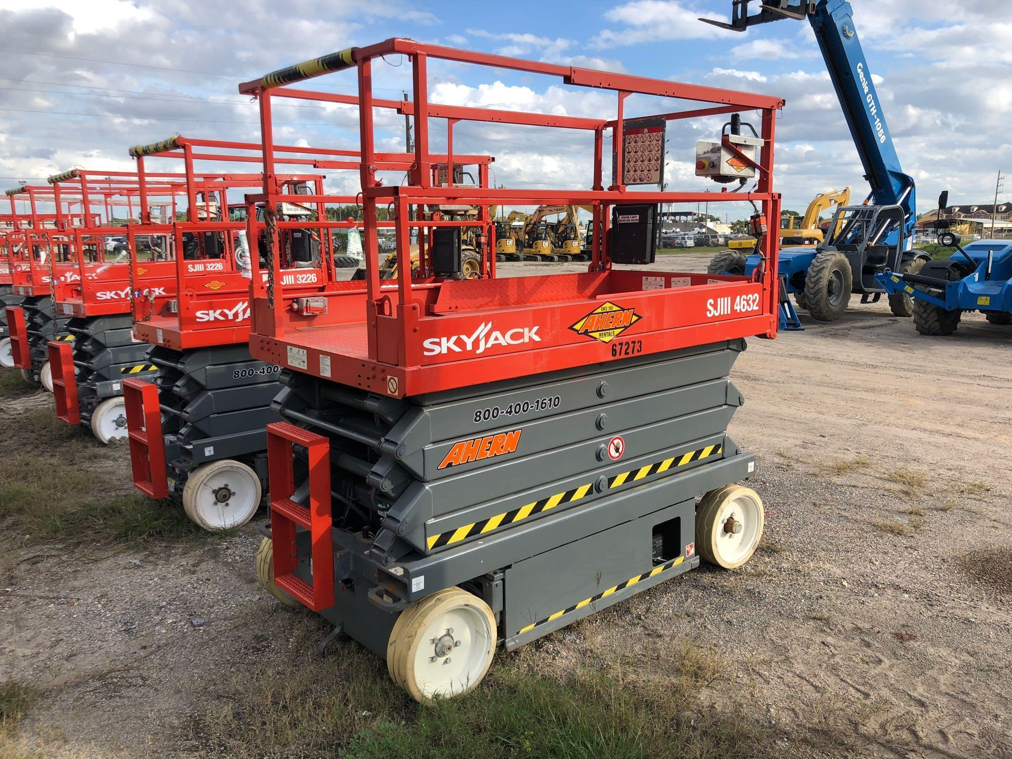 2007 SKYJACK 4632 SCISSOR LIFT SN:70000218 Electric
