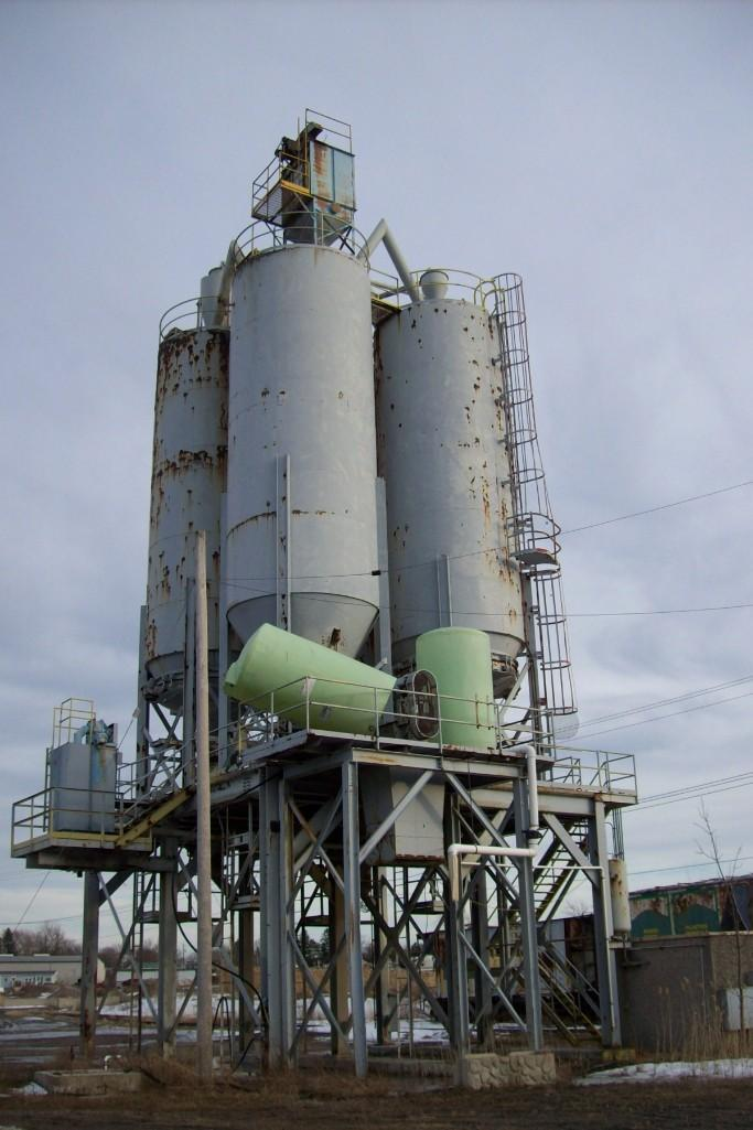 150 TON CEMENT SILOS With Bin Indicators 2 Dust