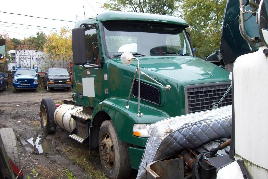 2009 VOLVO VNM TRUCK TRACTOR VN:283952 Powered By